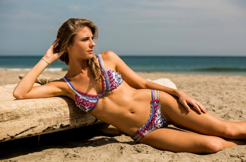 Capittana 2015 lima social diary for Bikini piscina
