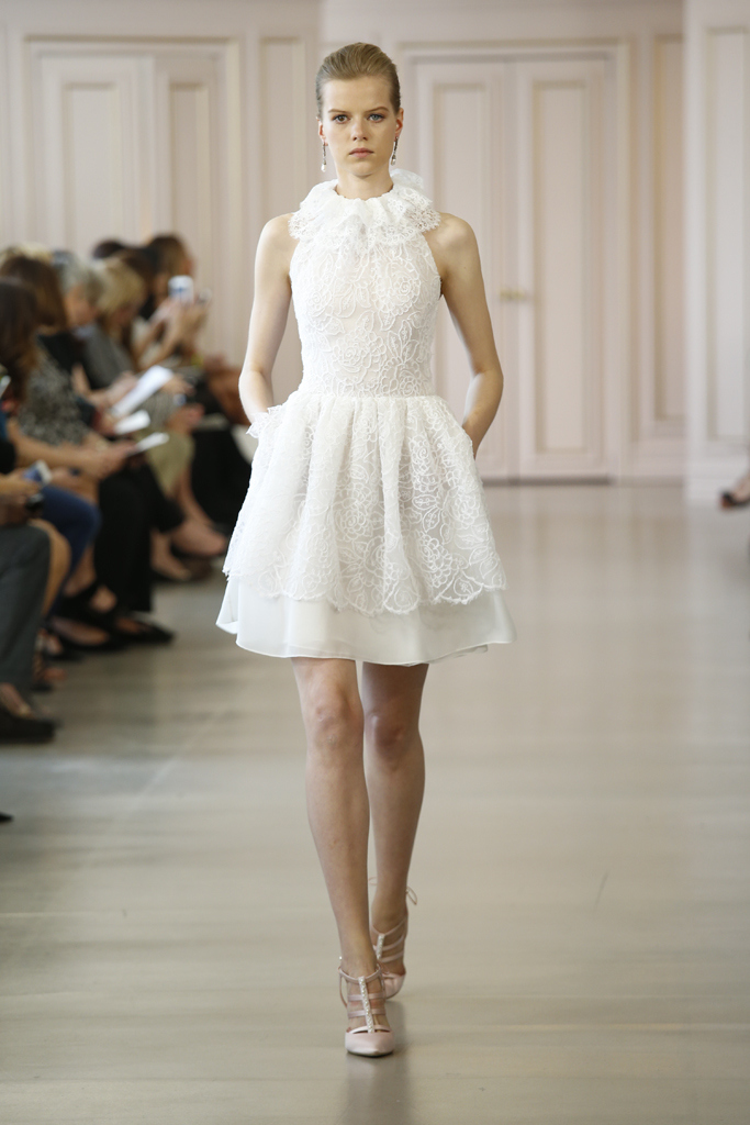 Si acepto lima social diary for Oscar de la renta short wedding dress