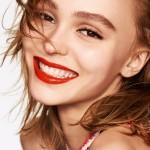 Lily-Rose Depp se pone brillante